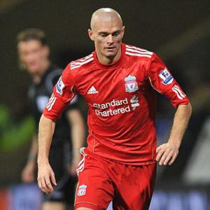 Paul Konchesky joins Leicester