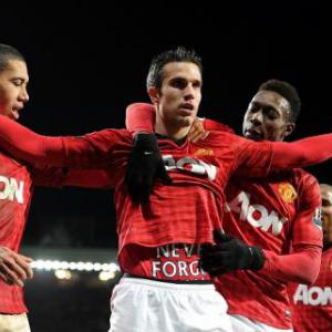 Van Persie strike seals United win