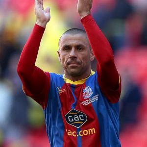 Veteran Phillips eyes Palace stay