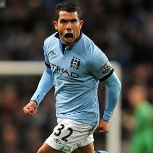 Tevez rescues scrappy City