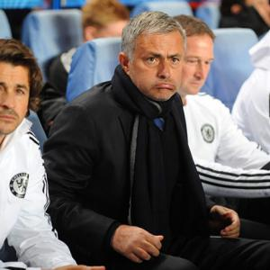 Chelsea boss Mourinho seeks derby boost against Fulham