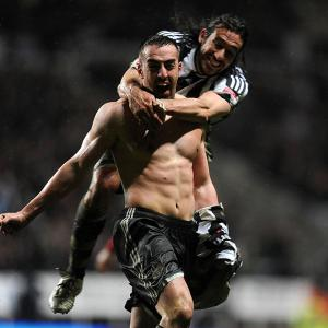 Gutierrez determined to stay, but wants Newcastle to keep Enrique and Coloccini