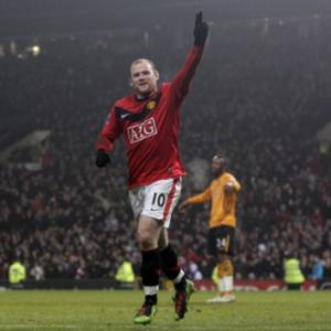 Wayne Rooney's fantastic four puts United back on top of the Premier League