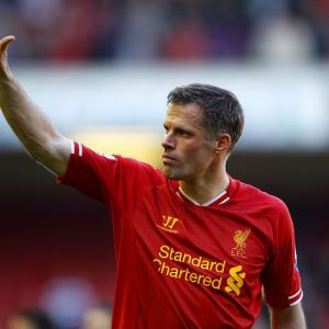 Emotional farewell for Carragher after final Liverpool game
