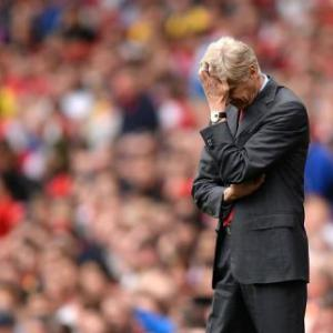 Fans: Put Wenger contract on hold