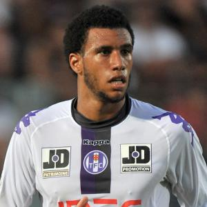 Tottenham reach Capoue agreement