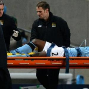 Man Citys Richards out for up to two months