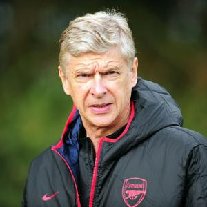 Wenger: Give jobs on merit