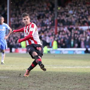 Bees hold Chelsea after late Torres equaliser