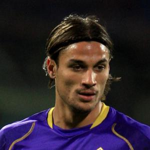 Saints splash cash for Osvaldo