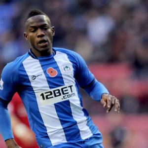 Roberto Martinez frustrated by Maynor Figueroa red