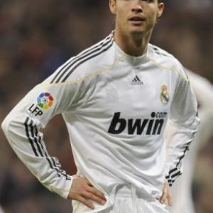 Ronaldo, Messi and Kaka shortlisted for FIFA World Player of the Year award