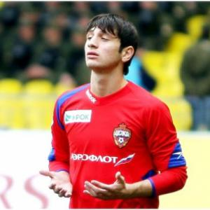 Dzagoev to miss six weeks with toe fracture
