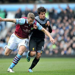 Baker signs new Villa deal