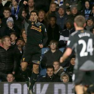 Suarez smashes sorry Hoops