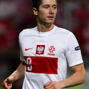 Lewandowski wins it late on