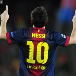 Lionel Messi breaks Gerd Muller's 85 goal record for Barcelona