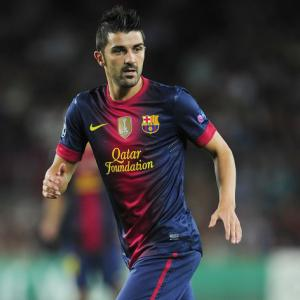 Barcelona president warns Arsenal off David Villa