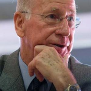 Cristiano Ronaldo transfer: Sir Bobby Charlton describes  80m fee as 'vulgar'