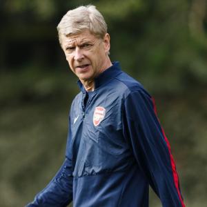 Kroenke wants Wenger for long term