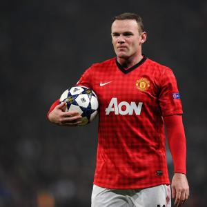 Former England boss McClaren expects Rooney to stay at Manchester Utd