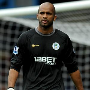 Al Habsi set for surgery
