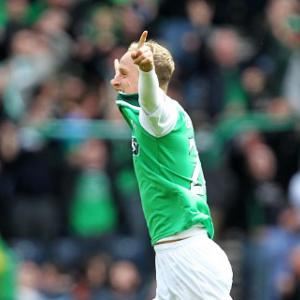 Griffiths seals point for Hibs