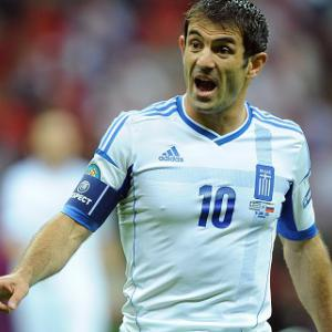 Fulham sign Greece skipper Karagounis