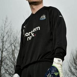 Steve Harper's glove story: Newcastle keeper has seen it all in his 18 years