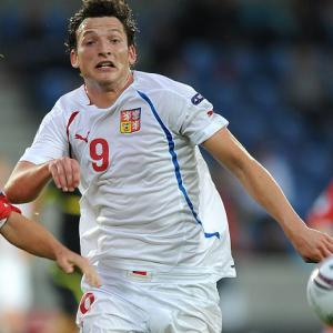 Kozak's treble sees Lazio progress pass Stuttgart