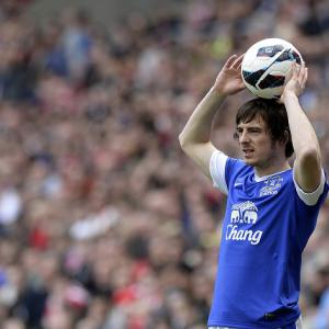 Everton face battle to keep Baines