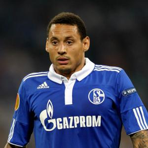 Schalke sneak crucial draw against Galatasaray