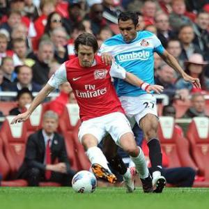 Rosicky signs new contract at Arsenal