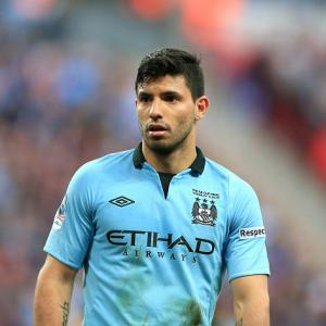 Aguero signs extension