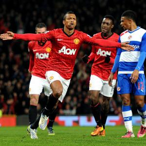 Goals from Nani and Hernandez see United past Reading (Video)