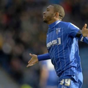 Gillingham 2-1 Dag  Red: Match Report