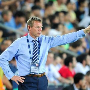 Pearce angry with 'poor' England