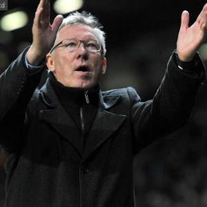 Ferguson baffled by defensive frailties