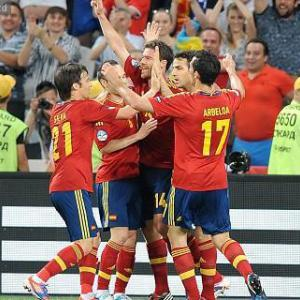 Alonso bags brace as Spain progress