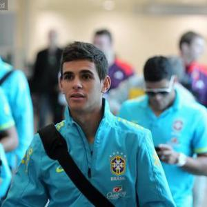 Oscar vows to focus on Games amid Chelsea talk