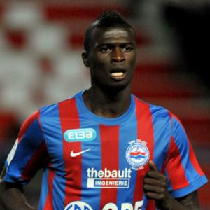 Niang offered Everton Trial
