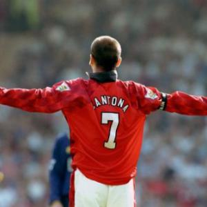 Top 5 Premier League Celebrations 3: Eric Cantona