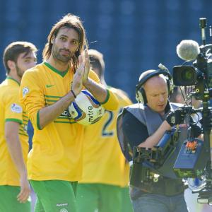 Samaras treble sinks Killie