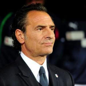 Draw poses questions for Prandelli