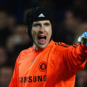 'Arsene Cechs Out Petr' - Could Arsenal boss go in for Chelsea goalkeeper?