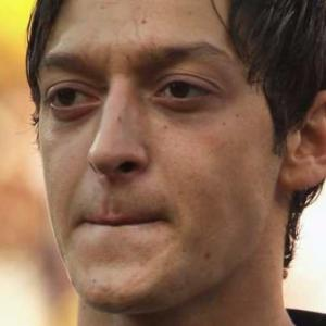 Germany wizard Ozil eyes United