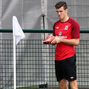 Bale included in Wales squad