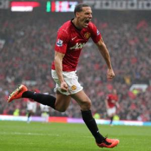 Manchester United's Rio Ferdinand signs new deal