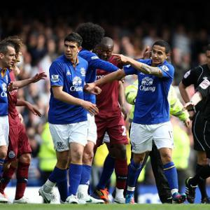 Everton to appeal Cahill red card