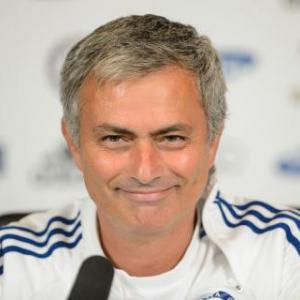 Mourinho backs Chelsea to win title